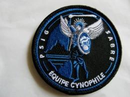ECUSSON GENDARMERIE NATIONALE LE PSIG SABRE UNITE CYNOPHILE SUR VELCROS ETAT EXCELLENT - Policia
