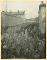 Guerre De 1914-18 . Passage De Prisonniers Allemand . Châlons-sur-Marne ? - War, Military