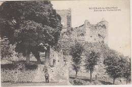 D12 - SEVERAC LE CHÂTEAU  - ENTREE DU PORTAIL (EST) - Personne Devant Le Mur - Altri Comuni