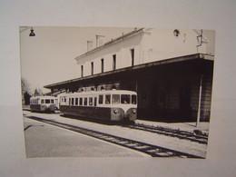 Autorails Verney En Gare De ?? Photo De J Chapuis N°10 - Eisenbahnen