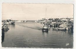 14 - Courseulles-sur-Mer - Le Port   Bateaux Voiliers - Courseulles-sur-Mer