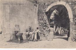 TAORMINA-MESSINA-FONTE E ARCO CAPPCCINI-PORTATRICI D'ACQUA- CARTOLINA NON VIAGGIATA-ANNO 1906-1910 - Messina