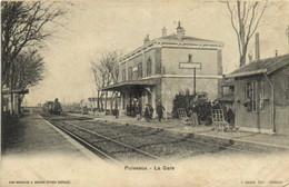 PUISEAUX  La Gare Train Arrivant En Gare RV - Puiseaux