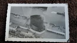 PHOTO CHEMINEE D UN PAQUEBOT TRANSATLANTIQUE FRANCE OU NORMANDIE LOISIRS VACANCES 1950 60  FORMAT 7.5  PAR 11.5 CM - Boats
