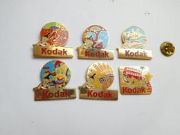 Belle Série De 6 Pin's Différents En EGF , Photo Kodak , éléphant - Fotografia