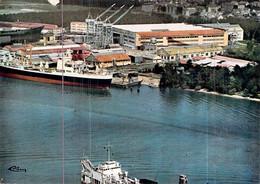 """Cpsm Chantier Naval Le Trait   Bateau """" Rochambeau  """" C.G.T Compagnie Générale Transatlantique 1967 - Commerce"""