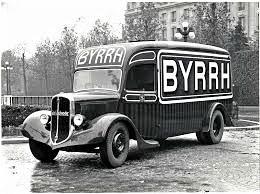 Camion Fourgon Rochet-Schneider Avec Publicité Pour La Marque 'Byrrh'   -  15x10cms  PHOTO - Trucks, Vans &  Lorries