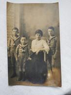 CARTE PHOTO Portrait De FAMILLE Mere Et Enfants SCOUTS Scoutisme Photographie Carte Postale Ancienne CPA - Photos