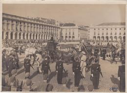 PORTUGAL  PHOTO  - PHOTOGRAPHY - MONARQUIA - ROYALTY - FUNERAL QUEEN - RAINHA DONA AMÉLIA - 13 Cm X 17,6 Cm - Personalità