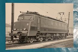 Locomotive SNCF 2D2 5306 De Bordeaux - Photo Train Dépôt - 1971 - France Sud Ouest Gare Chemin Fer Loc Loco électrique - Treinen