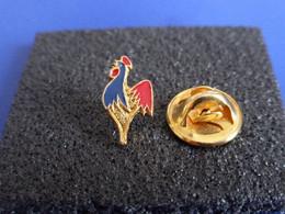 Pin's FFSQ Bowling ? H 1.45 Cm - Fédération Française Des Sports De Quilles - Coq Tricolore (PU34) - Bowling