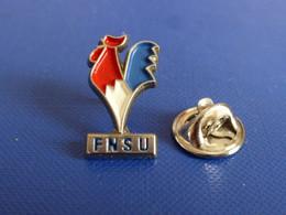 Pin's FNSU - Fédération Nationale Française Des Sports Universitaires - Coq Tricolore - Zamac Decat (PU36) - Altri