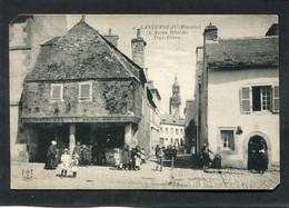 CPA - LANDERNEAU - L'Ancien Hôtel Des Trois Piliers, Très Animé - Landerneau