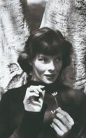 Katharine Hepburn 1 PHOTO POSTCARD - Donne Celebri
