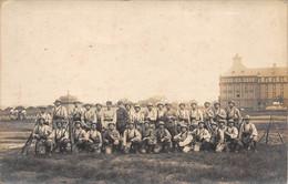 57 - N°73085 - METZ - Militaires Avec Leur Paquetage Et Leur Armes - Carte Photo - Metz