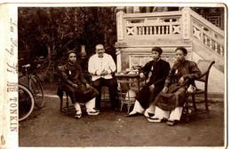 TONKIN .HUE 1903. CAPITAINE SAVIN ET PROFESSEURS DE LANGUE ANNAMITES - War, Military