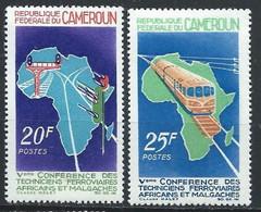 Cameroun YT 434-435 Neuf Sans Charnière - XX - MNH Train - Cameroon (1960-...)