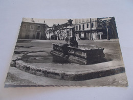 AIX EN PROVENCE ( 13 Bouches Du Rhone ) LA FONTAINE MISTRAL  MATERNITE VIEILLES AUTOS - Aix En Provence