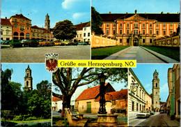 5803 - Niederösterreich - Herzogenburg , Hauptplatz , Schmiedeeisenbrunnen , Blick Zum Kirchenturm - Gelaufen 1977 - Herzogenburg