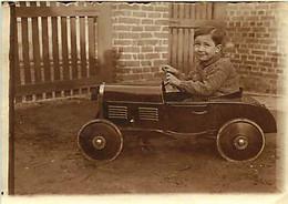 120221A - PHOTO - JEU JOUET ANCIEN Voiture Camion à Pédale Garçon MARC 4 Ans - Giocattoli Antichi