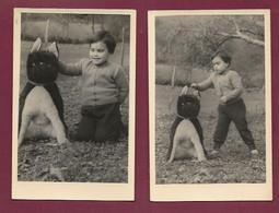 120221D - 2 PHOTOS - JEU JOUET ANCIEN Peluche Chien Grandeur Nature Enfant Bebe Garcon - Trisomie 21 ? Handicap ? - Giocattoli Antichi