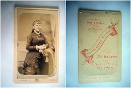 PHOTO CDV 19 EME JEUNE FEMME CHIC ROBE  MODE   Cabinet HOUPPE   A SAINT OMER - Old (before 1900)