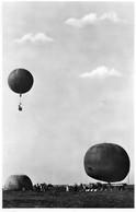 CARTE PHOTO N°4 BALLONSPORT ECHTE FOTO 954 EEN VOLK AAT NIET VLIEGT WORDT OVERVIEUGELD - Zeppeline