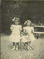 130221 - PHOTO ANCIENNE - JEU JOUET ANCIEN Enfant Bebe POUPEE Fillettes Repas Pique Nique - Giocattoli Antichi