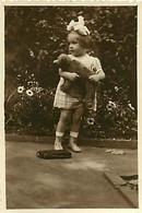 130221 - PHOTO ANCIENNE - JEU JOUET ANCIEN Enfant Bebe Ours à Roulette - Giocattoli Antichi