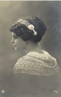Portrait Jeune Femme Joli Serre Tete Echarpe Brodée  RV - Women