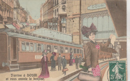 J'arrive à Douai Et Je Vous Envoie Le Bonjour , ( Train , Gare) + Verso Timbre Taxe Belge 0,10 C - Douai