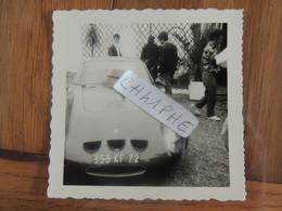 LES 24 HEURES DU MANS ANNEES 1950 / 1960 - PHOTOGRAPHIE D UNE VOITURE DE SPORT A L OCCASION DE LA COURSE - Le Mans