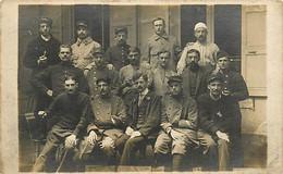 CARTE PHOTO DE SOLDATS EN CONVALESCENCE - VICHY LE 20 MAI 1915 - Zu Identifizieren