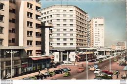 MAROC  CASABLANCA  L' Avenue De L' Armée Royale Et Les Hôtels  El Mansour Et  Marhaba - Casablanca