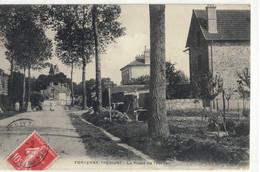 CPA  FONTENAY - TRESIGNY  La Route De Tournan - Fontenay Tresigny