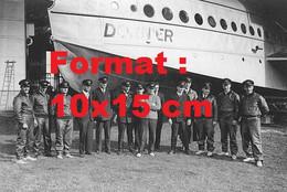 Reproduction Photographie Ancienne L'équipage DuDornier D.O.X à Altenrhein En Suisse En 1930 - Reproductions