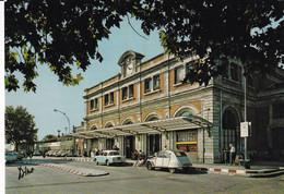 PERPIGNAN  La Gare  S.N.C.F. Avec 2CV... - Perpignan