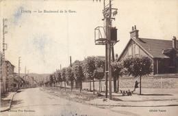 "CPA FRANCE 91 ""Etréchy, Le Boulevard De La Gare"" - Etrechy"