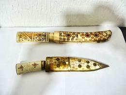 2 ANCIENS POIGNARDS MANCHE CORNE - Knives/Swords