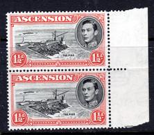 ASCENSION - 1938-1953 KGVI DEFINITIVE 1949 1½d BLACK & VERMILLION VERT PAIR PERF 14 MNH ** SG 40c X 2 REF A - Ascension (Ile De L')
