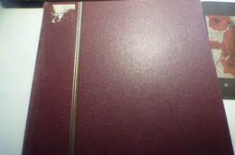 DESTOCK.  VIEUX CLASSEUR DE STOCK RUSSIE JAPON VIET NAM ETC.   BEAUCOUP DE TIMBRES NEUFS ET OBLITERES  TBE - Verzamelingen (in Albums)