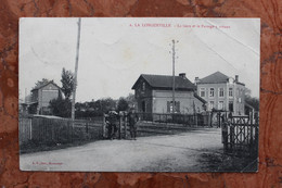 LA LONGUEVILLE (59) LA GARE ET LE PASSAGE A NIVEAU - Sonstige Gemeinden