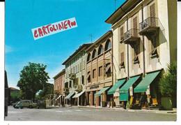 Emilia Romagna-parma-traversetolo Piazza Fanfulla Veduta Particolare Anni 70 Negozi Banca Emiliana Auto Epoca Vespa - Altre Città