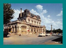 17 Rochefort La Poste ( Voitures Anciennes Renault, Simca, Panhard ) - Rochefort