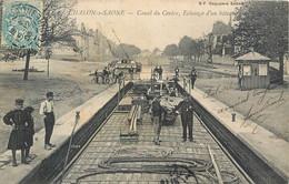 CPA 71 Saône Et Loire Chalon Sur Saône Canal Du Centre Eclusage D'un Bateau - Fonderie - Chalon Sur Saone