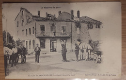 Carte Postale Un Coin De Badonviller Bombardé Devant La Gare (café) 1915 - Andere Gemeenten
