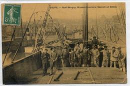 76  DIEPPE     Quai Bérigny Groupe D'ouvriers Réparant Un Bateau - Dieppe