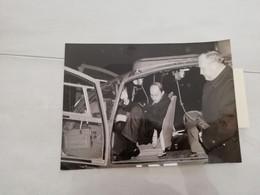 23567  PHOTO DE PRESSE   12CMX18CM  ENSOA SAINT MAIXENT LAURENT FABIUS ET CHARLES HERNU 20-12-1984 - Zonder Classificatie