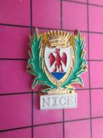 513g Pin's Pins / Beau Et Rare : Thème VILLES / AIGLE ROUGE BLASON ECUSSON NICE Par FIA SOUV - Steden