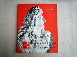 La Documentation Photographique Louis XIV Avril-Mai 1968. Pierre Goubert Archives Lille Rouen. - History